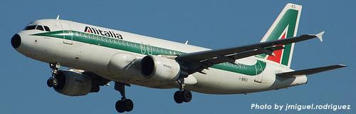エールフランスがアリタリア航空を買収か、株式25%取得で