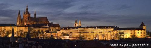 チェコ共和国、失業外国人に無料航空券で不法滞在防止へ