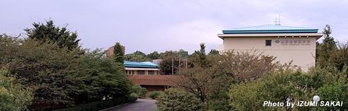 東京女学館大学が16年3月で閉校、来春の学生募集を停止