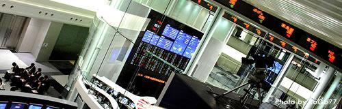 市場の株安・円高が再燃、日銀金融緩和前の水準に迫る